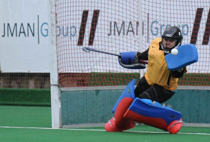 2019 news mar village girl morgause lomas cambridge hockey blue 02