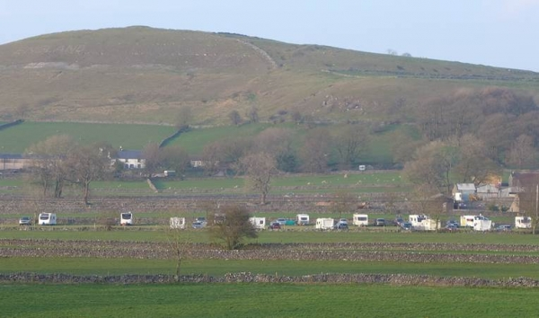 Camping and Caravan Club in Chelmorton for Spring Bonfire meet